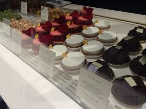 $$$ desserts  (€€€ dessertes)
